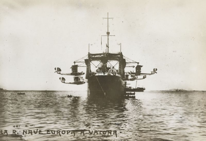 http://russiannavy.net/militaryPhotos/archives/small/europa.jpg